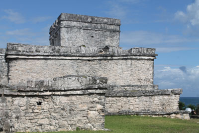 Tulum - pre-Columbian lighthouse
