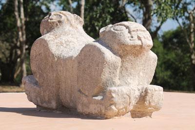 Uxmal - double-headed jaguar throne