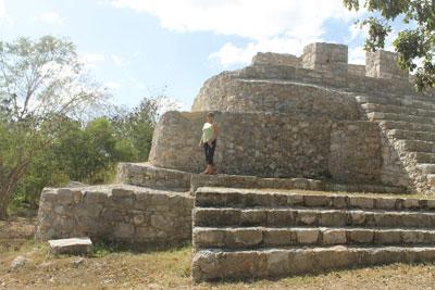 Dzibilchaltun - Deborah climbing structure 44